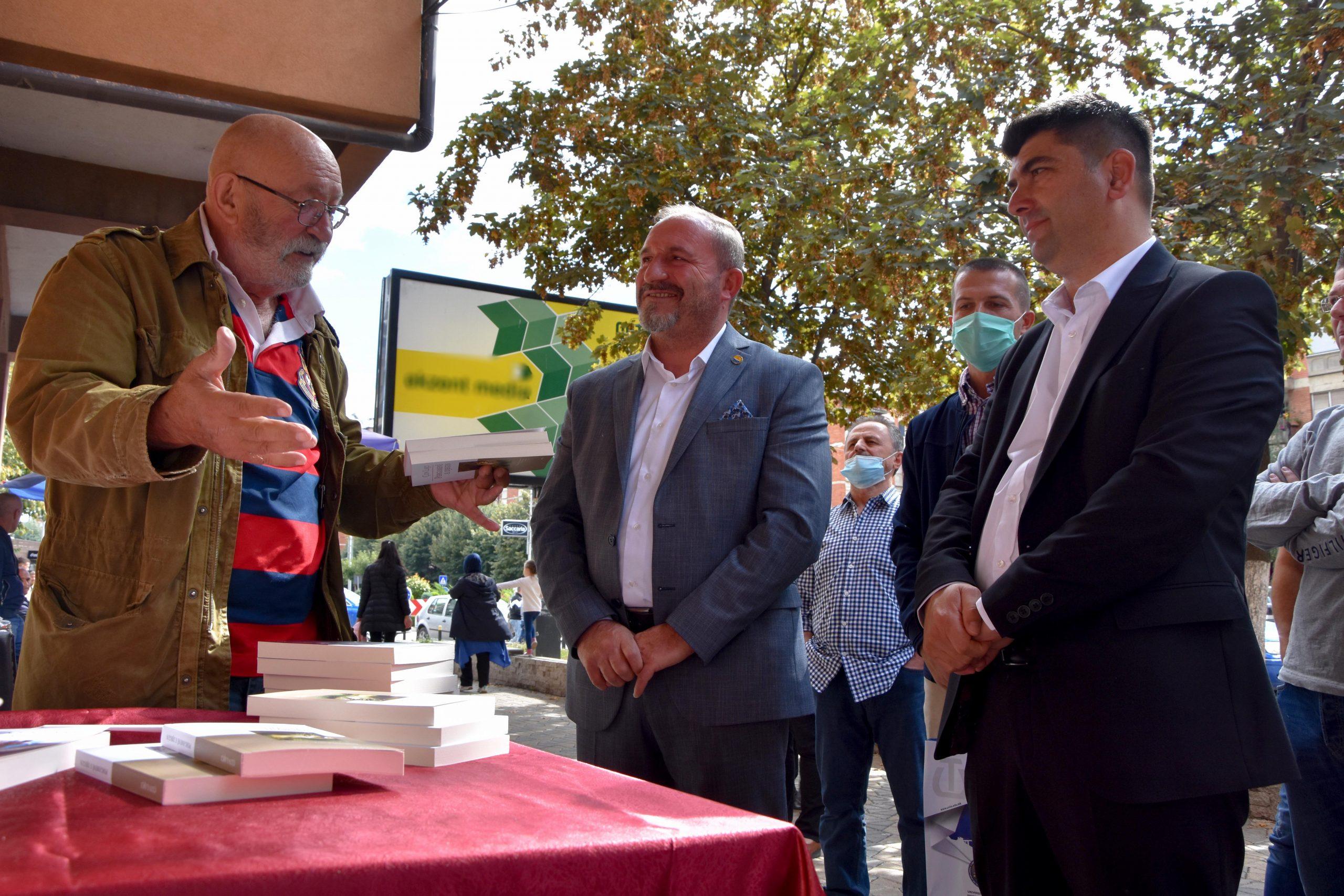 Aktori i mirënjohur shqiptar Çun Lajçi – në Tetovë mirëpritet nga Rektori Prof. Dr. Vullnet Ameti