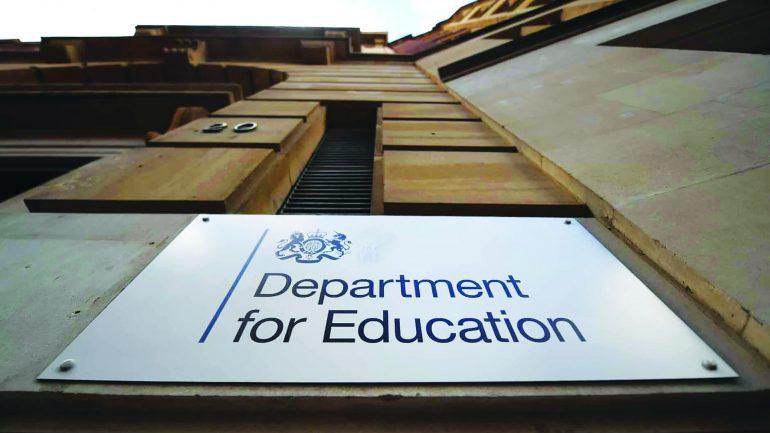 Shkollat në Angli s'do përdornin materiale nga grupet antikapitaliste